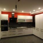 kuchyňa v červenom