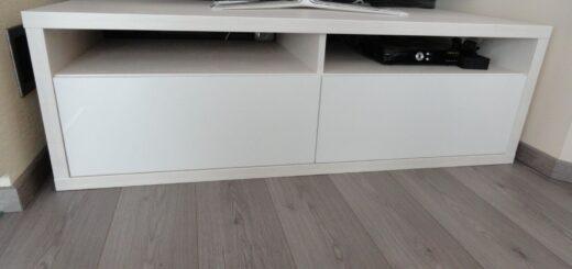 Skrinka pod televízor do obývačky