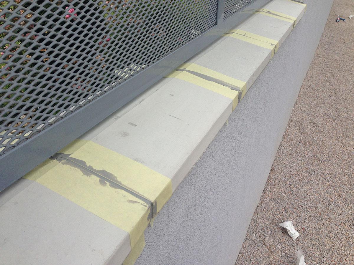 Betónové striešky na plot